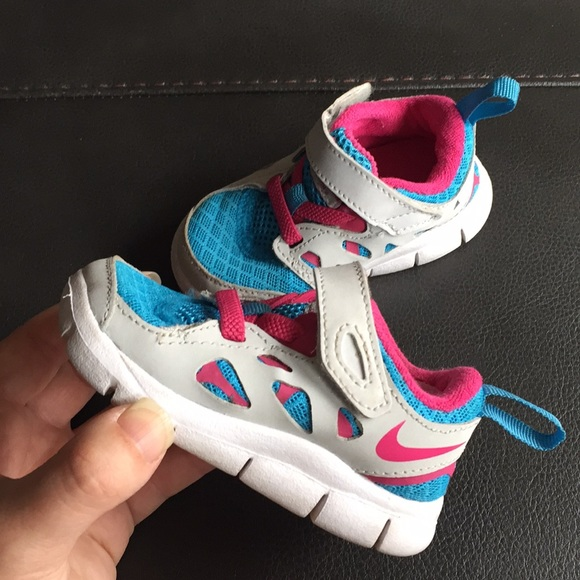 best service 02911 83b19 Nike Free Run 2 Sneakers - Baby/Toddler Size 4C